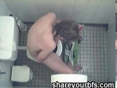 Amateur Toilet Jerking